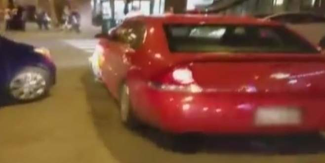 Kızgın sürücü bakın ne yaptı?