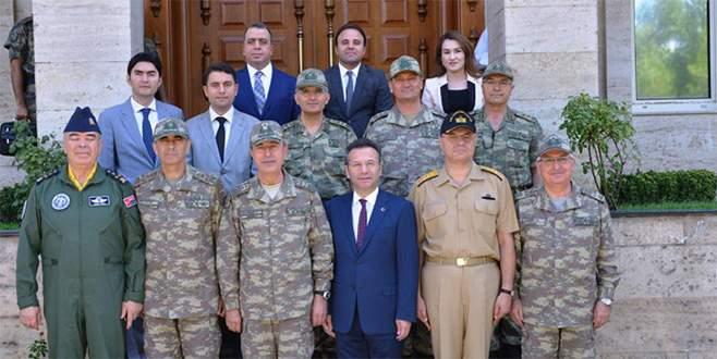 Komutanlar Diyarbakır'da