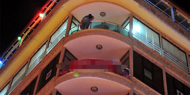 Bursa'da 5. kattan atlamak isteyen genci ilçe başkanı ikna etti
