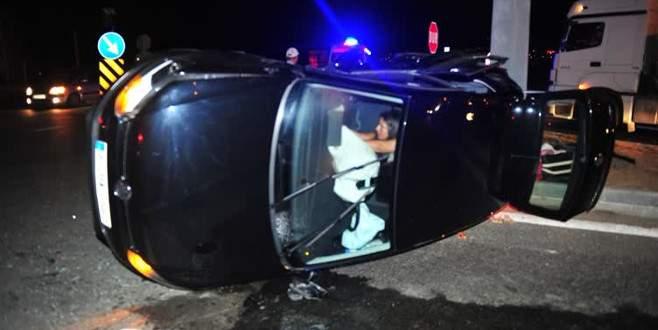 Bursa'da iki araç kafa kafaya çarpıştı: 7 yaralı
