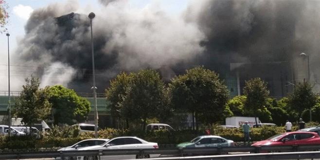 İş merkezinde korkutan yangın!
