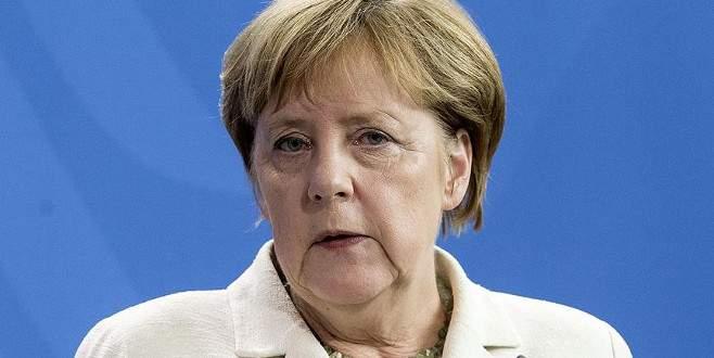 Merkel'den 'burka' açıklaması
