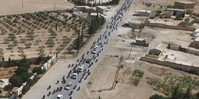 IŞİD'liler Münbiç'ten kaçarken havadan böyle görüntülenmiş