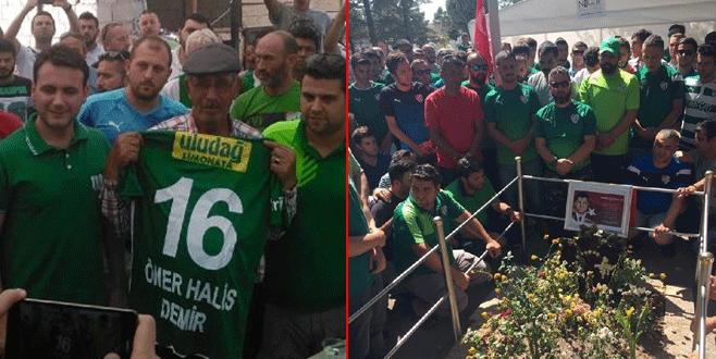 Bursaspor taraftarı şehit Ömer Halisdemir'i unutmadı