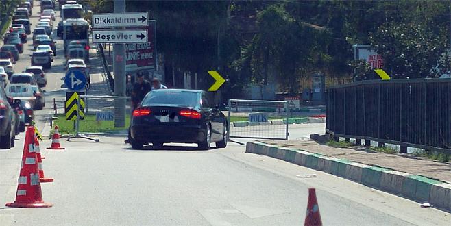 Bursa'da emniyetin bulunduğu cadde kapatıldı