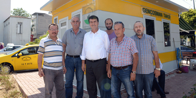 Osmangazi'den taksi duraklarına yenileme