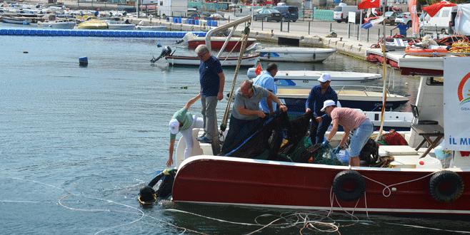 Körfez terk edilmiş av araçlarından temizlendi