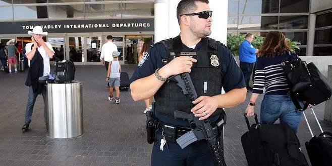 Los Angeles Havalimanı boşaltıldı!