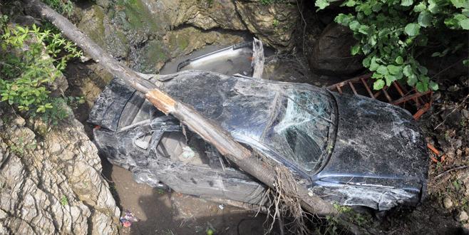 Bursa'da feci kaza: 1 ölü, 4 yaralı