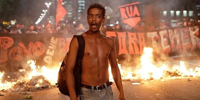 Brezilya'da sokaklar karıştı
