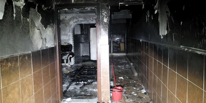 Bursa'da unutulan sigara evi küle çevirdi