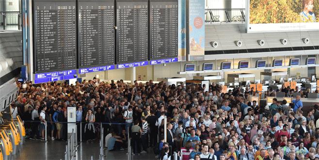 Frankfurt Havalimanı'nda arama bitmeden güvenlik kontrolünden geçen kişi yakalandı