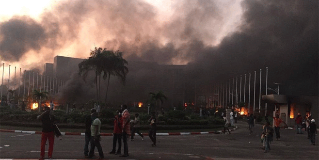 Seçim açıklandı, parlamento yakıldı!