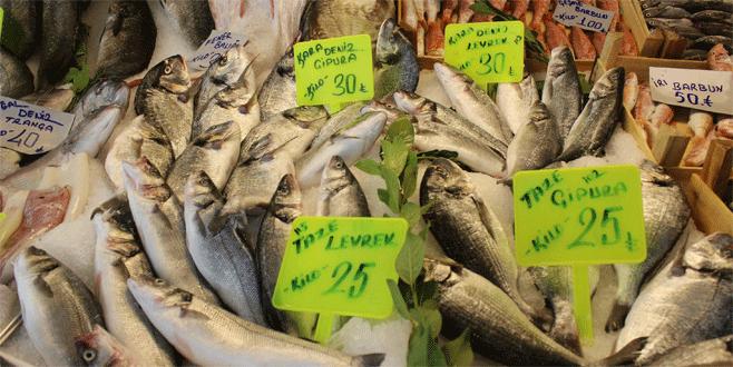 Bursa'da balık tezgahları şenlendi vatandaşın yüzü güldü