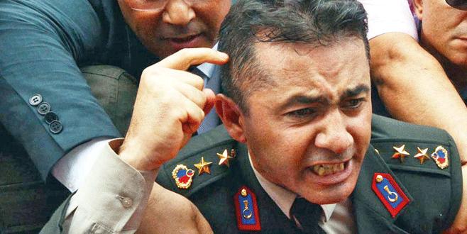 Yarbay Alkan da ordudan atıldı