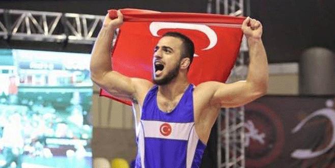 Bursalı Enes Uslu dünya şampiyonu!
