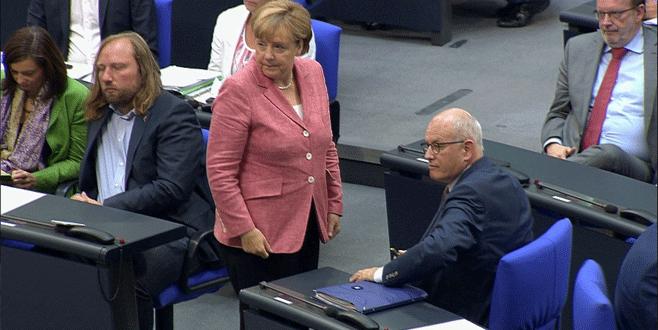 Meclis Başkanı, Merkel'i azarladı