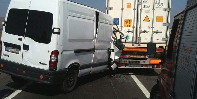 Bursa'da feci kaza: 1 ölü, 1 yaralı