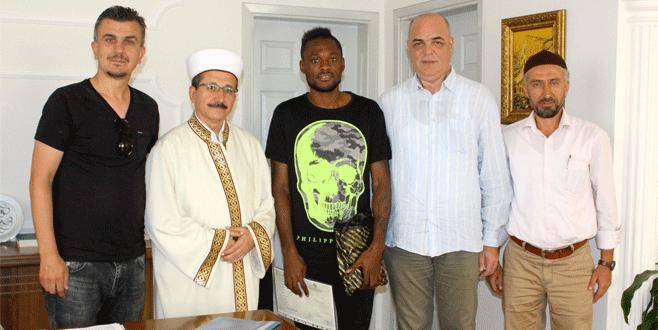 Manisasporlu Bakaki müslüman oldu
