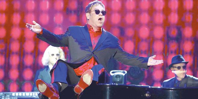 Antalya'dan Elton geçti