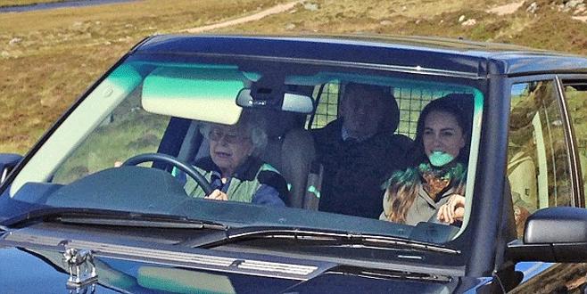 Kraliçe direksiyonda