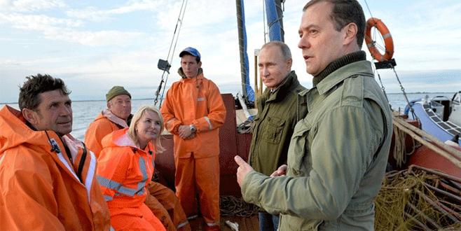 Putin ve Medvedev balık avına çıktı