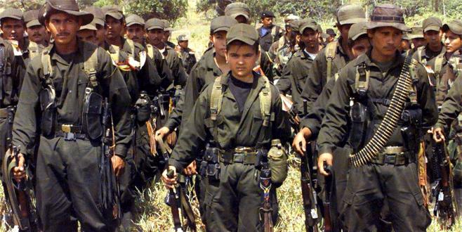FARC çocuk askerleri teslim etti