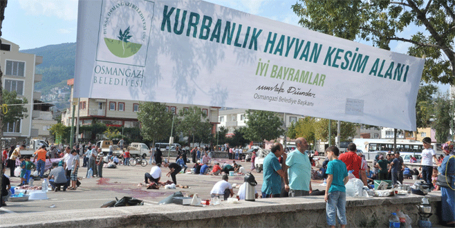 Osmangazi'de kurbanlar temiz ve sağlıklı ortamda kesildi