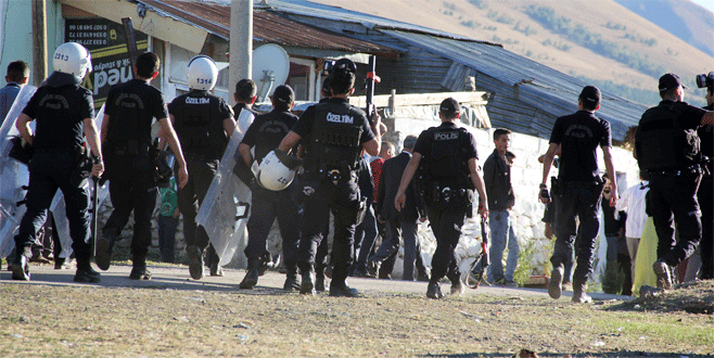 Erzurum'da aile kavgası: 3'ü polis 8 yaralı
