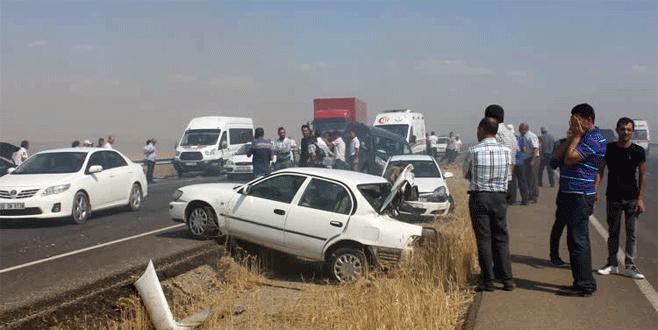 Anız yangını zincirleme trafik kazasına neden oldu