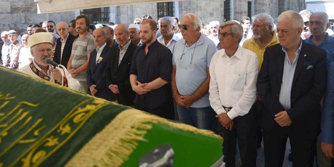 Bursaspor'un kurucularından Cemal Dik toprağa verildi
