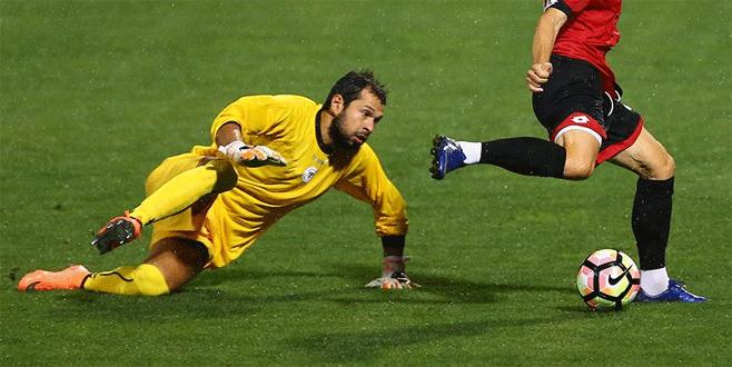 UEFA Avrupa Ligi'nde haftanın oyuncusu Serkan Kırıntılı