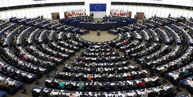 AB Komisyonu'nun 'mülteci planı'na ret