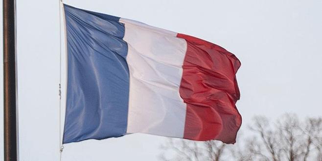 Fransa'da okullara 'acil durum' bilekliği