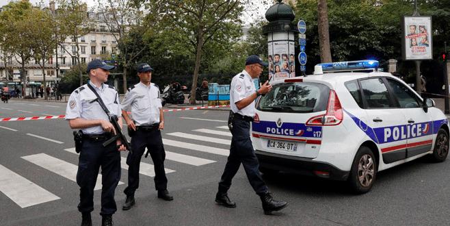 Paris'te yanlış alarm paniği