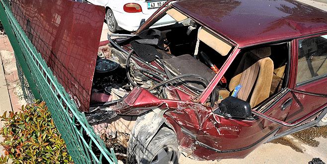 Bursa'da polis aracı ile otomobil çarpıştı: 6 yaralı