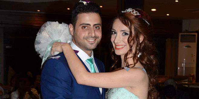 Begüm ve Ali nişanlandı