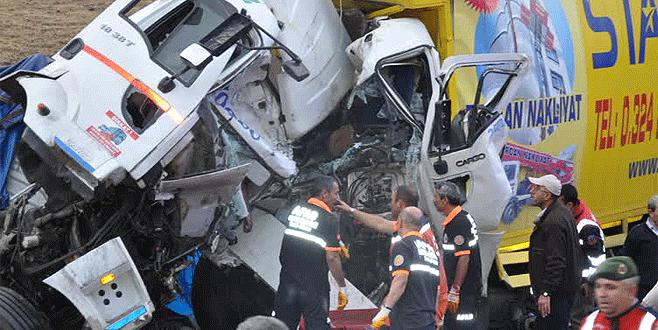 Katliam gibi kaza: 3 ölü, 5 yaralı
