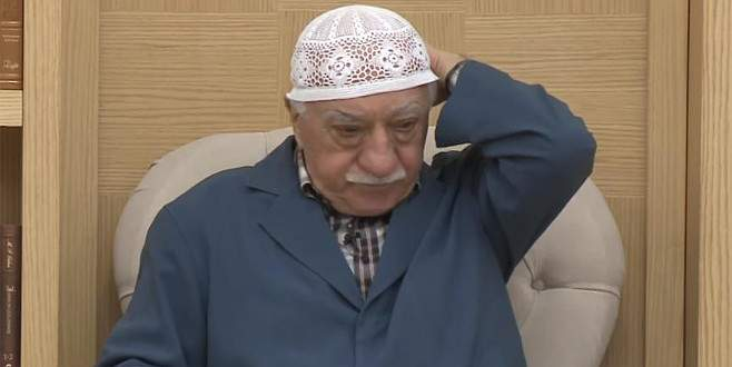 FETÖ çalıntı soruları verirken Kur'an'a el bastırmış!