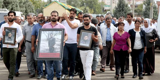 HDP milletvekilleri teröristin cenazesine katıldı