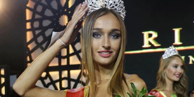 Ukraynalı güzel Miss Aura kraliçesi