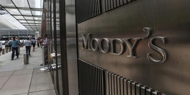 Moody's ateşi