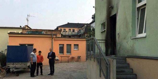 Almanya'da camiye bombalı saldırı