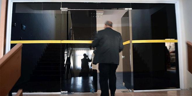 FETÖ'nün okulunda zincirli, siyah camlı gizli odalar