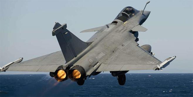 Fransa Musul'u bombalıyor