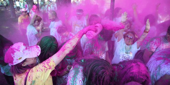 Bursa'da 'Renkli Koşu' etkinliği