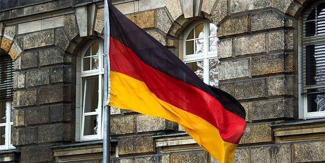 Almanya'da camiye çirkin saldırı