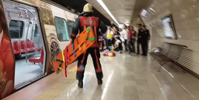 Şişhane'de bir kadın metro raylarına düştü