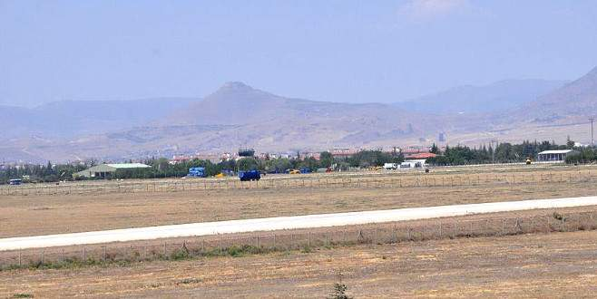 Konya 3. Ana Jet Üs Komutanlığı'nda FETÖ operasyonu