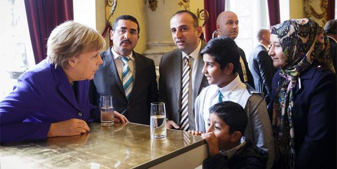 Türk aileyi ziyaret etti
